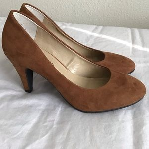 New Cathy Jean Pumps size 5.5